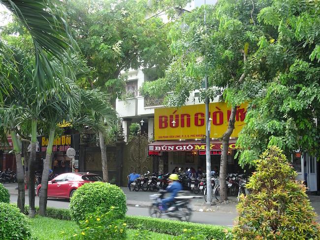 Hoozing-Bun-Gio