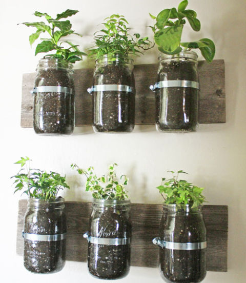 hoozing_mason_jar_green