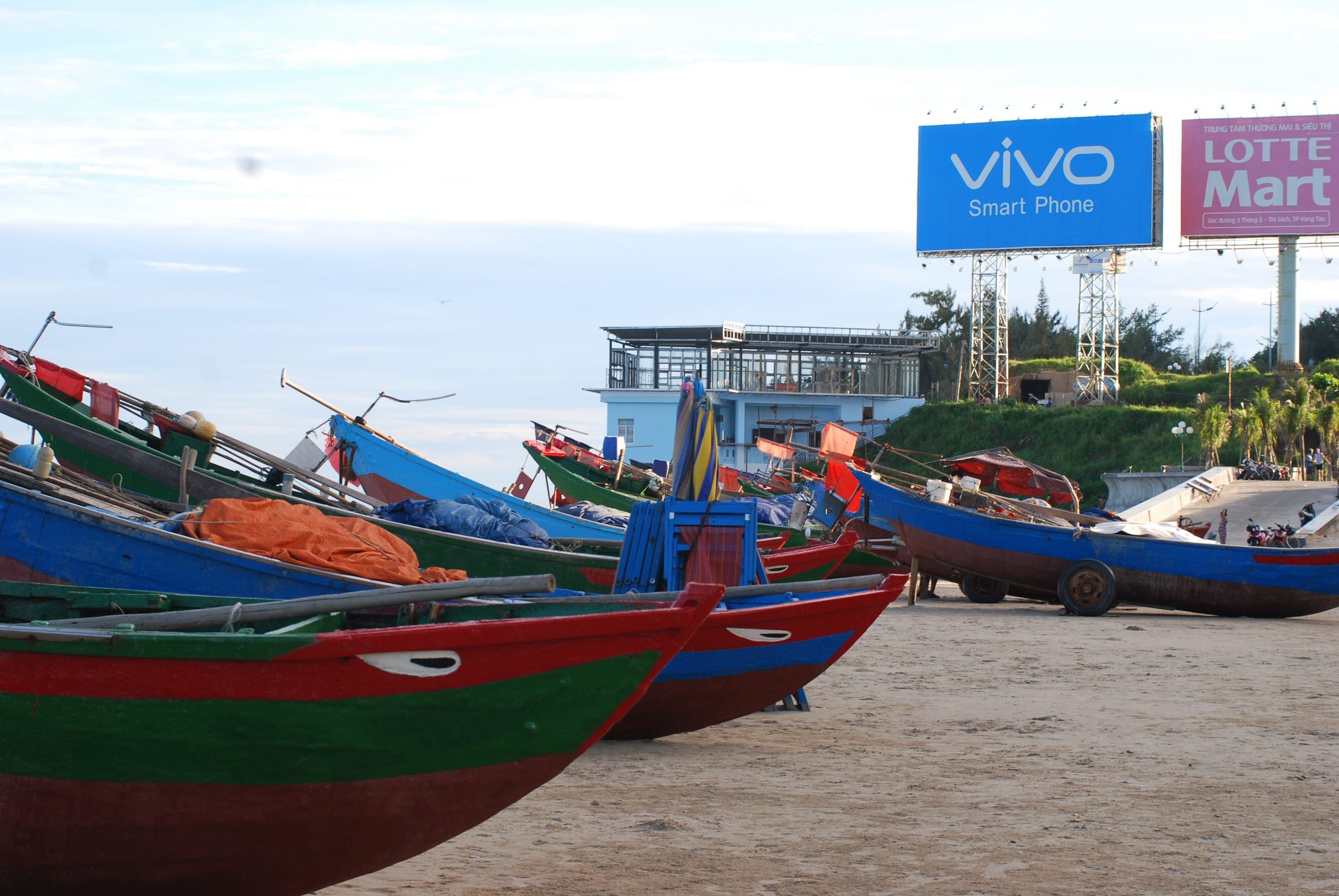 ietnam Summer Trips: A day in Vung Tau - Vung Tau Travelling Guide by Hoozing